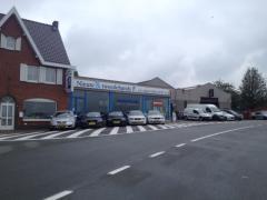 Woon en handelspand te koop in de Westhoek grensregio West-Vlaanderen