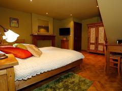 A vendre dans la région de Dinant maison de maître + grange aménagée en gite et chambres d'hôtes Province de Namur n°10