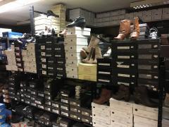 Voor 100 % van de aandelen over te nemen schoenenzaak in het centrum Henegouwen