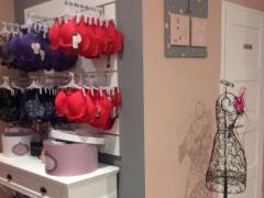 À reprendre commerce de lingerie-corseterie-balneaire dans la province de Liège Province de Liège n°2