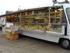 Pour 100 % des parts à reprendre commerce ambulant crémerie + fromagerie dans la province de Liège Province de Liège