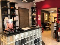 A vendre salon de coiffure et soins d'ethétique dans la région de Mons Hainaut