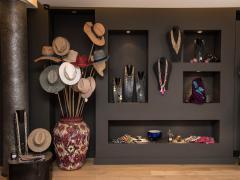 Pour 100 % des parts à reprendre boutique prêt à porter dames-concept original en international à Bruxelles Bruxelles capitale n°2