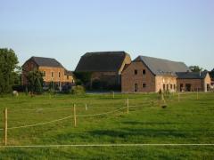 Centre de séminaires - salle de fête - taverne - gîte à reprendre dans la Vallée de la Lesse- Houyet Province de Namur