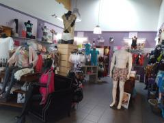 Boutique de lingerie fine, maillots, vêtements de jour et de nuit à reprendre à Sambreville Province de Namur n°3