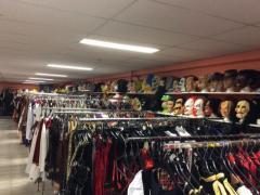 Commerce de location et vente de costumes et déguisements de carnaval, théatre, perruques à reprendre dans la Wallonie, centre ville Localisation non spécifiée n°1