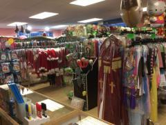 Commerce de location et vente de costumes et déguisements de carnaval, théatre, perruques à reprendre dans la Wallonie, centre ville Localisation non spécifiée n°5