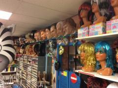 Commerce de location et vente de costumes et déguisements de carnaval, théatre, perruques à reprendre dans la Wallonie, centre ville Localisation non spécifiée n°6