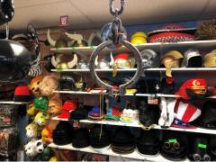 Commerce de location et vente de costumes et déguisements de carnaval, théatre, perruques à reprendre dans la Wallonie, centre ville Localisation non spécifiée n°7