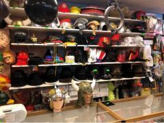 Commerce de location et vente de costumes et déguisements de carnaval, théatre, perruques à reprendre dans la Wallonie, centre ville Localisation non spécifiée n°12