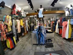 Magasin de vêtements, chaussures et accessoires à reprendre dans le centre ville de Liège Province de Liège n°2