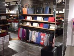 Magasin de vêtements, chaussures et accessoires à reprendre dans le centre ville de Liège Province de Liège n°9