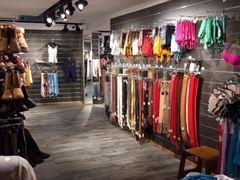 Magasin de vêtements, chaussures et accessoires à reprendre dans le centre ville de Liège Province de Liège n°10