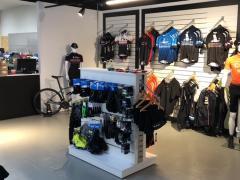 A reprendre magasin de vente et entretien de cycles- VTT, VTC (route) et électriques à Visé Province de Liège n°3
