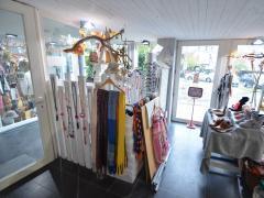 Magasin de prêt-à-porter, chaussures et accessoires à reprendre dans la ville de Durbuy Province du Luxembourg n°6