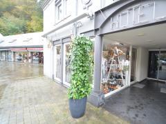 Magasin de prêt-à-porter, chaussures et accessoires à reprendre dans la ville de Durbuy Province du Luxembourg n°7