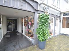 Magasin de prêt-à-porter, chaussures et accessoires à reprendre dans la ville de Durbuy Province du Luxembourg n°8