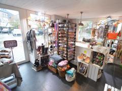 Magasin de prêt-à-porter, chaussures et accessoires à reprendre dans la ville de Durbuy Province du Luxembourg n°10