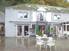 Magasin de prêt-à-porter, chaussures et accessoires à reprendre dans la ville de Durbuy Province du Luxembourg n°13