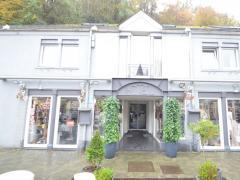 Magasin de prêt-à-porter, chaussures et accessoires à reprendre dans la ville de Durbuy Province du Luxembourg n°15